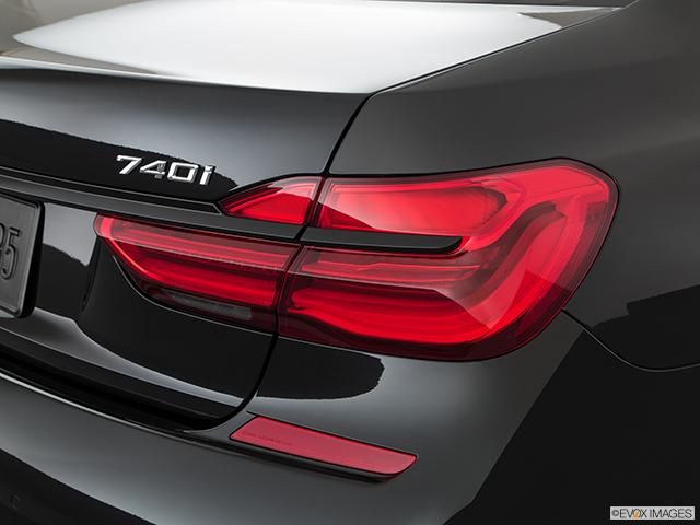 2019 BMW 7 Series Passenger Side Taillight