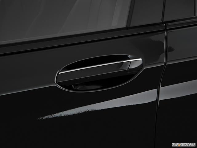 2019 BMW 7 Series Drivers Side Door handle