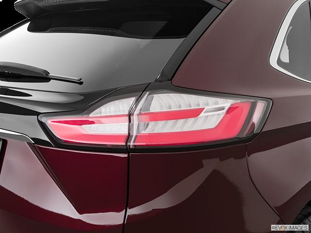 2019 Ford Edge Passenger Side Taillight