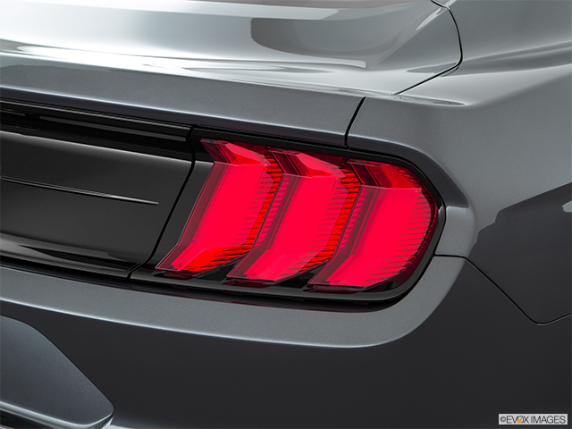 2019 Ford Mustang Passenger Side Taillight