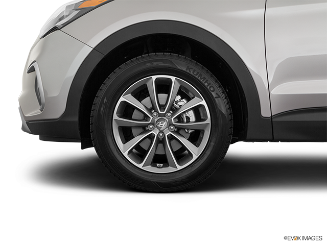 2019 Hyundai Santa Fe XL Front Drivers side wheel at profile