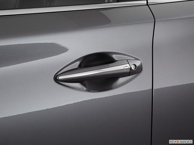 2019 INFINITI Q50 Drivers Side Door handle