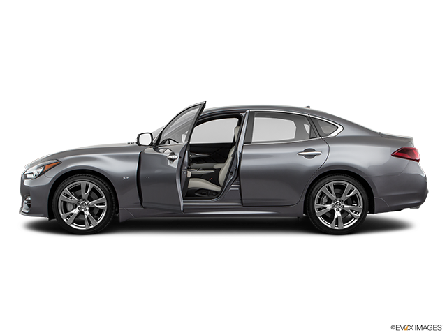 2019 INFINITI Q70 Driver's side profile with drivers side door open