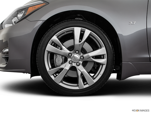 2019 INFINITI Q70 Front Drivers side wheel at profile