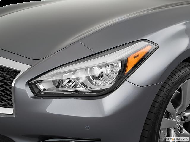 2019 INFINITI Q70 Drivers Side Headlight