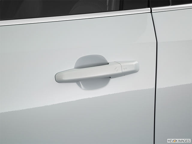 2019 Jaguar E-PACE Drivers Side Door handle