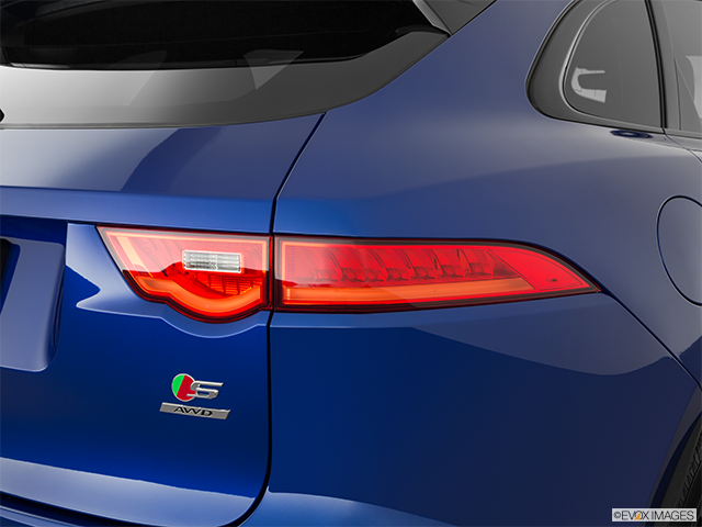 2019 Jaguar F-PACE Passenger Side Taillight