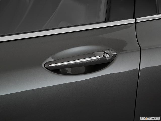 2019 Lincoln MKZ Drivers Side Door handle