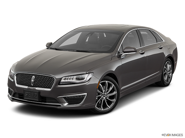 2019 Lincoln MKZ Front angle view