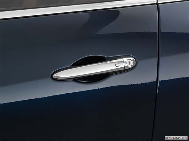 2019 Maserati Levante Drivers Side Door handle