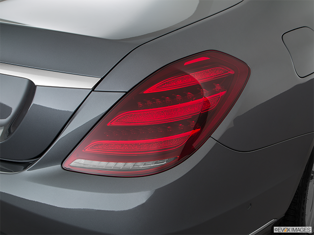 2019 Mercedes-Benz S-Class Passenger Side Taillight