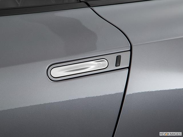 2019 Nissan GT-R Drivers Side Door handle