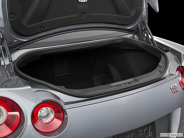 2019 Nissan GT-R Trunk open