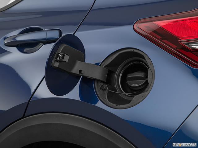 2019 Nissan Kicks Gas cap open