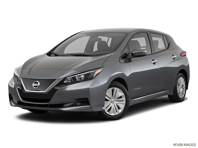 2019 Nissan LEAF Front angle medium view