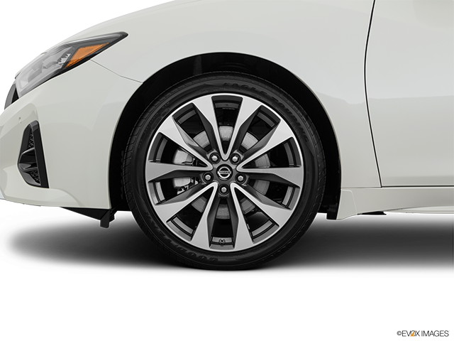 2019 Nissan Maxima Front Drivers side wheel at profile