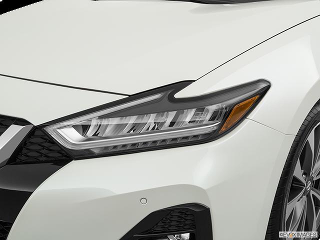 2019 Nissan Maxima Drivers Side Headlight