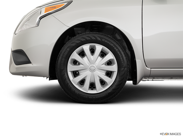 2019 Nissan Versa Front Drivers side wheel at profile