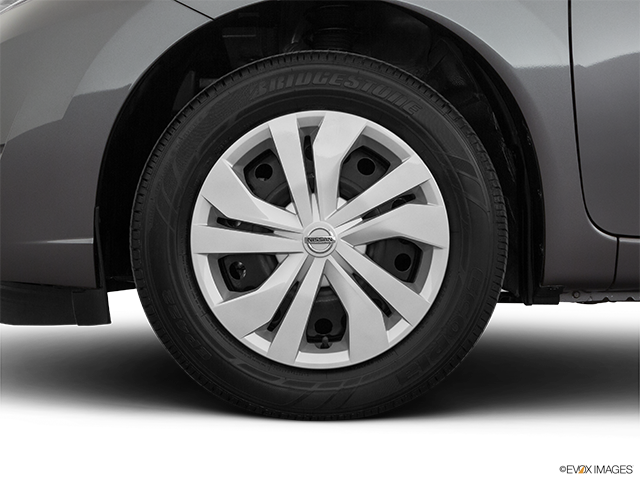 2019 Nissan Versa Note Front Drivers side wheel at profile