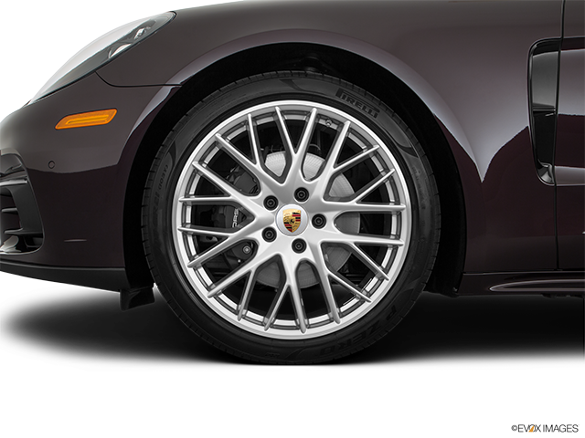 2019 Porsche Panamera Front Drivers side wheel at profile