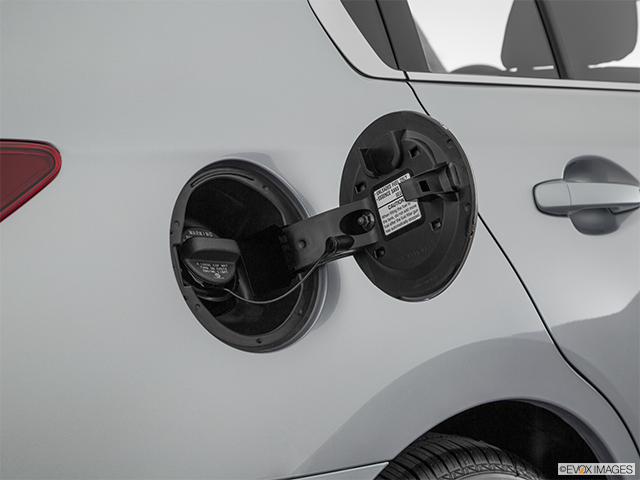 2019 Subaru Legacy Gas cap open