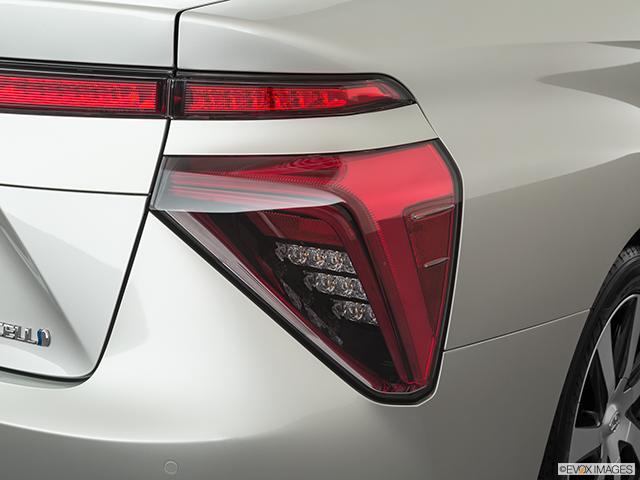 2019 Toyota Mirai Passenger Side Taillight