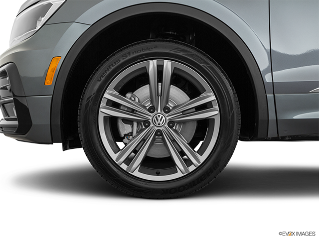 2019 Volkswagen Tiguan Front Drivers side wheel at profile