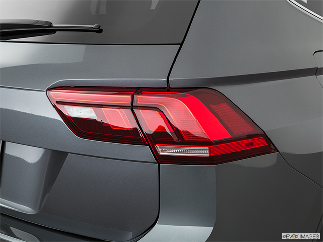 2019 Volkswagen Tiguan Passenger Side Taillight