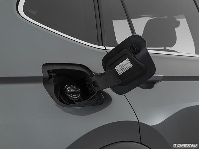 2019 Volkswagen Tiguan Gas cap open