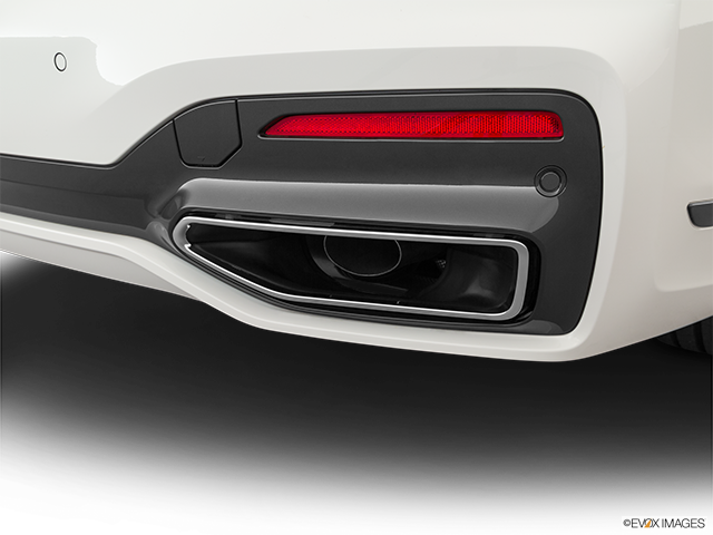 2020 BMW 7 Series Chrome tip exhaust pipe
