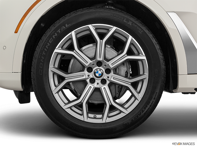 2020 BMW X7 Front Drivers side wheel at profile