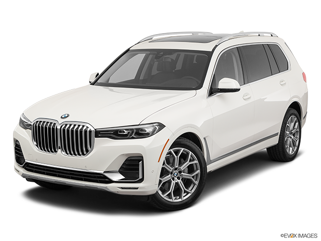 2020 BMW X7 Front angle view