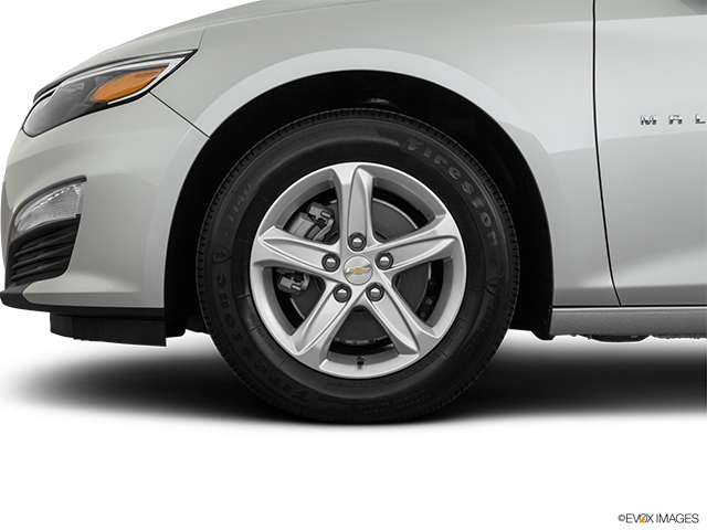 2020 Chevrolet Malibu Front Drivers side wheel at profile