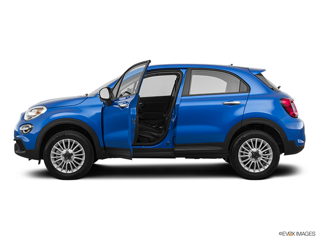 2020 FIAT 500X Driver's side profile with drivers side door open