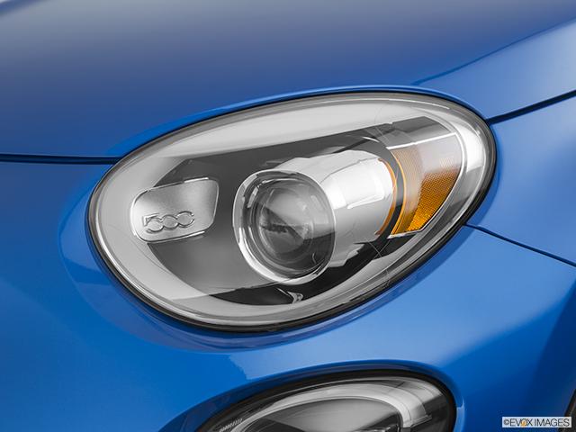 2020 FIAT 500X Drivers Side Headlight