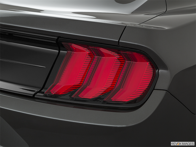 2020 Ford Mustang Passenger Side Taillight