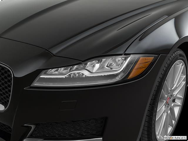 2020 Jaguar XF Drivers Side Headlight