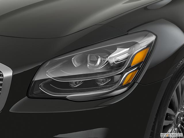 2020 Kia K900 Drivers Side Headlight