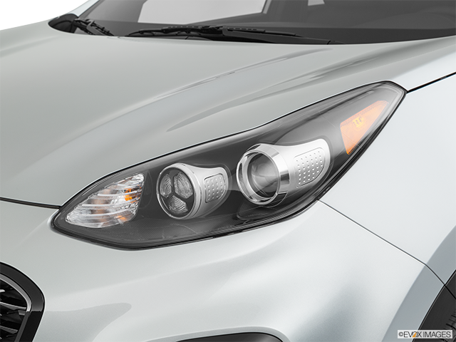 2020 Kia Sportage Drivers Side Headlight