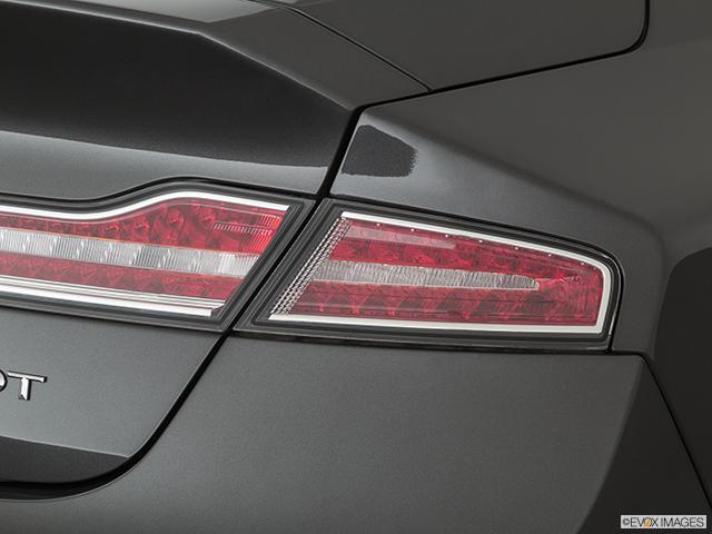 2020 Lincoln MKZ Passenger Side Taillight