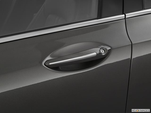 2020 Lincoln MKZ Drivers Side Door handle