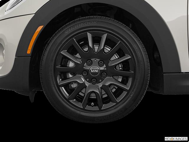 2020 MINI Hardtop 2 Door Front Drivers side wheel at profile