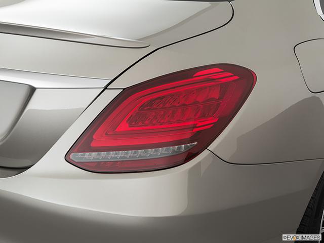 2020 Mercedes-Benz C-Class Passenger Side Taillight