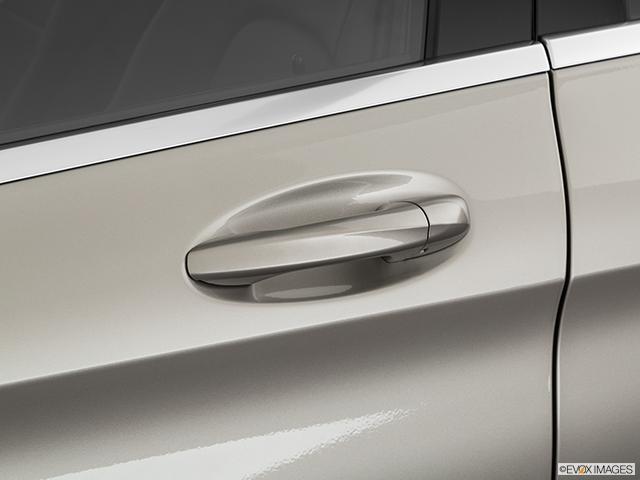 2020 Mercedes-Benz C-Class Drivers Side Door handle