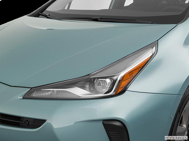 2020 Toyota Prius Drivers Side Headlight