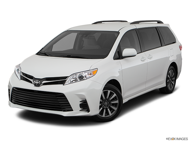2020 Toyota Sienna Front angle view
