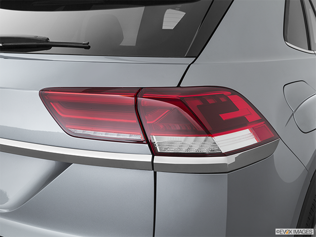 2020 Volkswagen Atlas Cross Sport Passenger Side Taillight