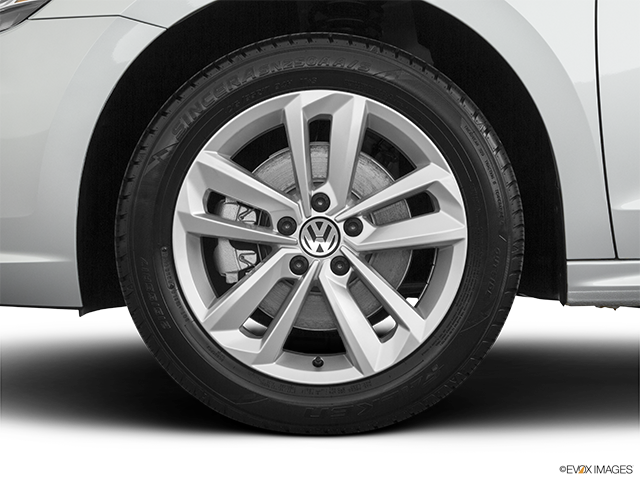 2020 Volkswagen Passat Front Drivers side wheel at profile