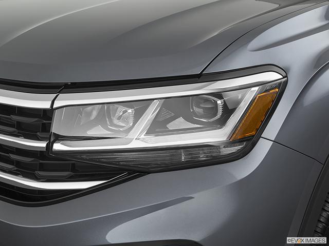 2021 Volkswagen Atlas Drivers Side Headlight